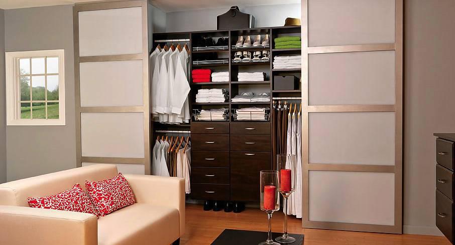 Раздвижные двери для гардеробной: нюансы выбора и обзор моделей