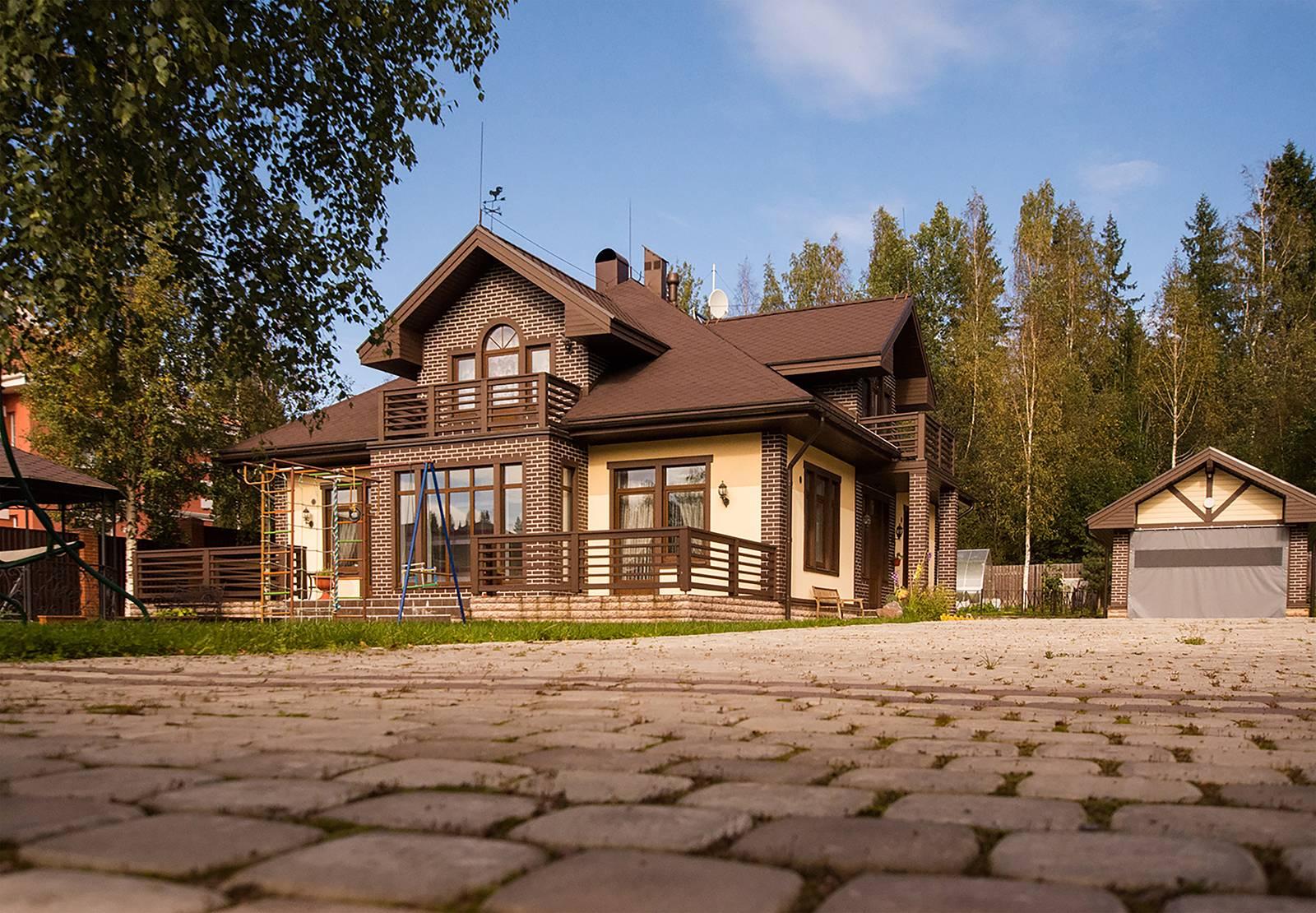 Комбинированные дома: проекты из камня и дерева, строительство коттеджей из кирпича и бруса, здания экономкласса