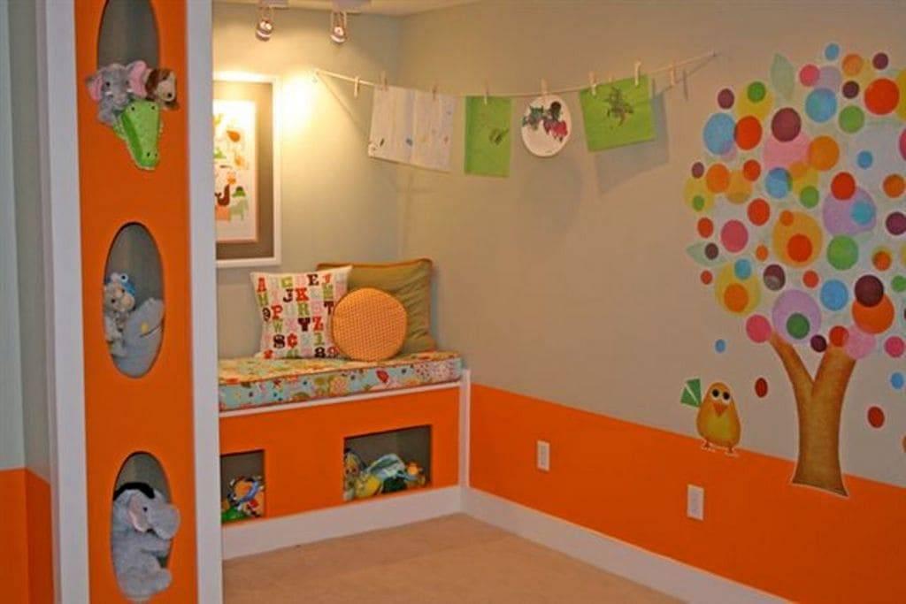 Идеи дизайна и техника работ для покраски стен в детской и в садике
