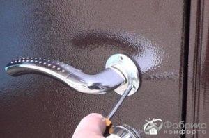Чем и как теплоизолировать входную дверь из железа, необходимые инструменты, выбор утеплителя, дополнительные способы