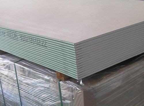 Какой гипсокартон лучше использовать для обшивки стен и потолка, сооружения перегородок: выбрать кнауф или гипрок, особенности фирм производителей