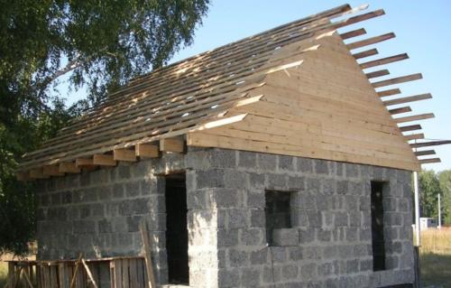 Строительство бани из керамзитобетона — 6 этапов возведения своими руками