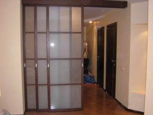 Как установить двухстворчатую межкомнатную дверь