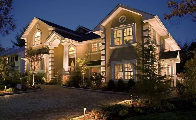Фасадные светильники - виды, выбор и особенности монтажа