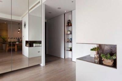 Объединение кухни с комнатой - возможные решения, допустимые действия, в каких случаях необходимо узаконить перепланировку; способы зонирования помещений: освещение, цветовые решения, напольные покрытия, подиум, ширмы и перегородки, мебель