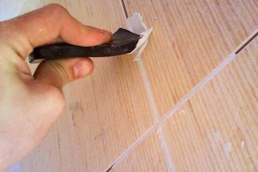 Затирка швов керамической плитки: как затирать швы правильно