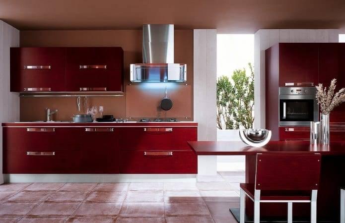 Бордовая кухня: что выполнить в бордовом а что в другом цвете, реальные фото примеры