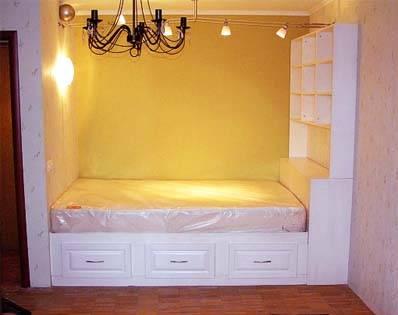 Как сделать подиум с выдвижной кроватью: этапы и правила монтажа