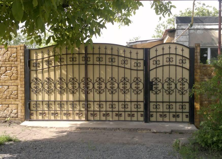 19 невероятно красивых ворот и калиток, которые украсят любой загородный участок