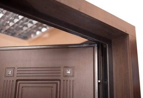 Доборы на входные двери: порядок монтажа и рекомендации по выбору