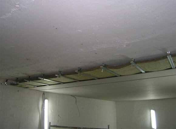 Шумоизоляция под штукатурку. жидкая шумоизоляция для квартиры. акустическая штукатурка.