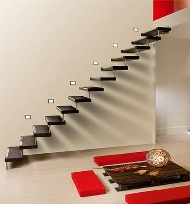 Особенности монтажа консольной лестницы