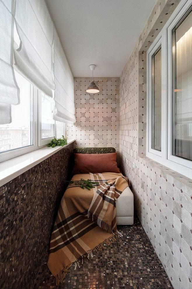 Шторы на кухню с балконной дверью (31 фото): как выбрать, модные тренды 2019 года