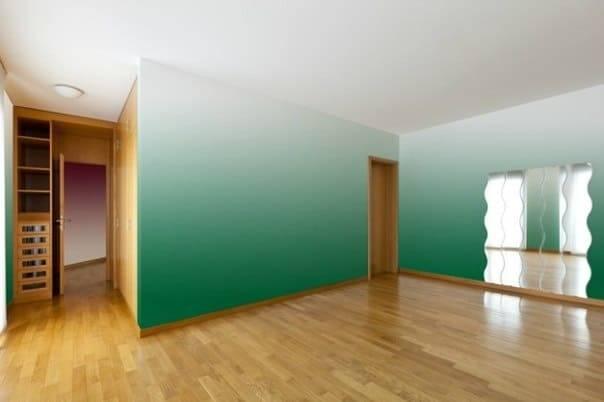 Как избавиться от полос на потолке после покраски