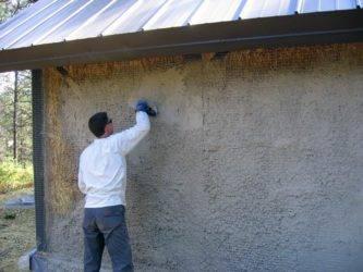 Можно ли штукатурить деревянный дом внутри? - о нюансах в строительных работах