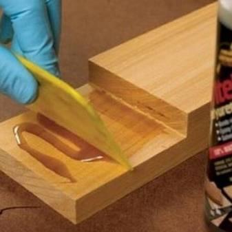 Полиуретановый клей для плитки — технология его применения в ремонте
