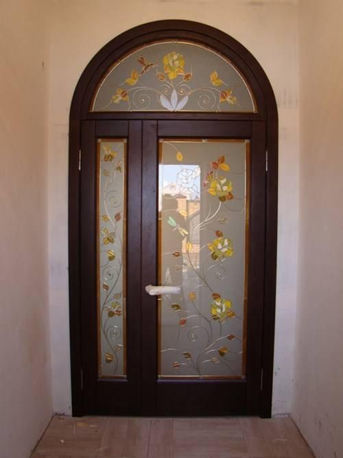 Двери арки: межкомнатные дверные блоки различной формы, фото в интерьере