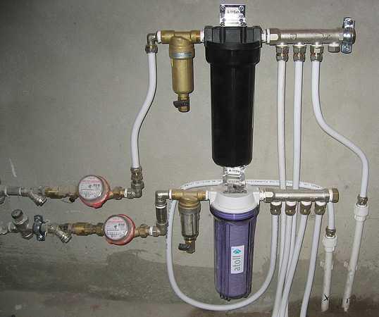 Какие фильтры для воды в квартиру выбрать?