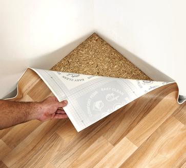 Как стелить линолеум на деревянный пол: 3 способа