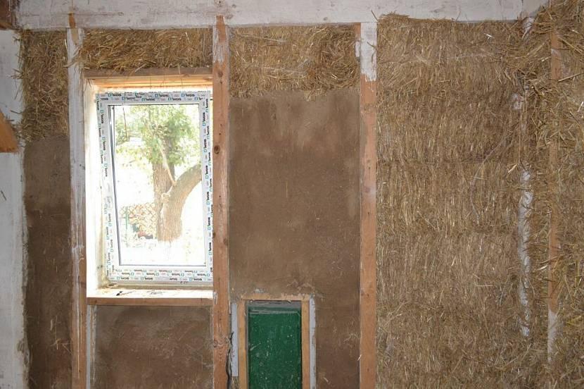 Как выровнять глиняные стены под обои