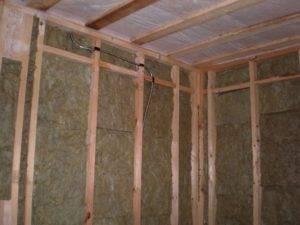 Утепление веранды своими руками на даче: снаружи, изнутри, стен, пола, крыши, фундамента, необходимые материалы, технология работы, применение обогревателей