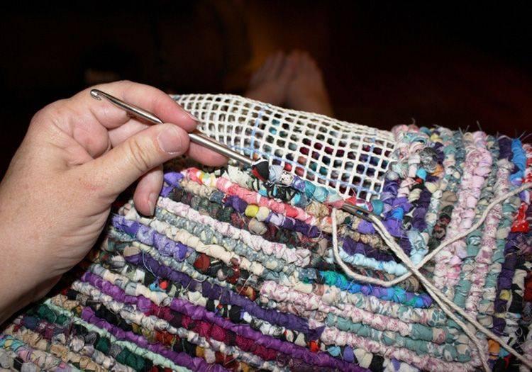 Коврики из лоскутков ткани своими руками