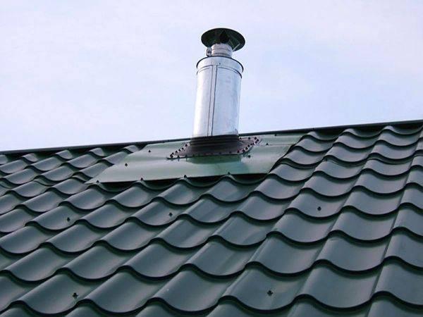 Как заделать трубу на крыше из профнастила: как загерметизировать, герметизация дымохода, проход вентиляции через кровлю, как закрыть трубу от дождя, как сделать примыкание, проход