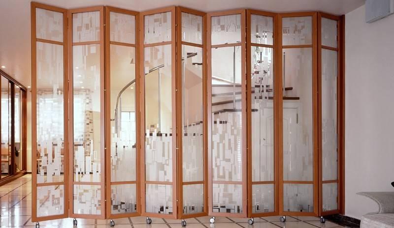 Ширма из подручных материалов своими руками (37 фото): как сделать и оформить ширму для комнаты?