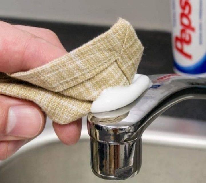 Отмываем смеситель и сантехнику от известковых отложений