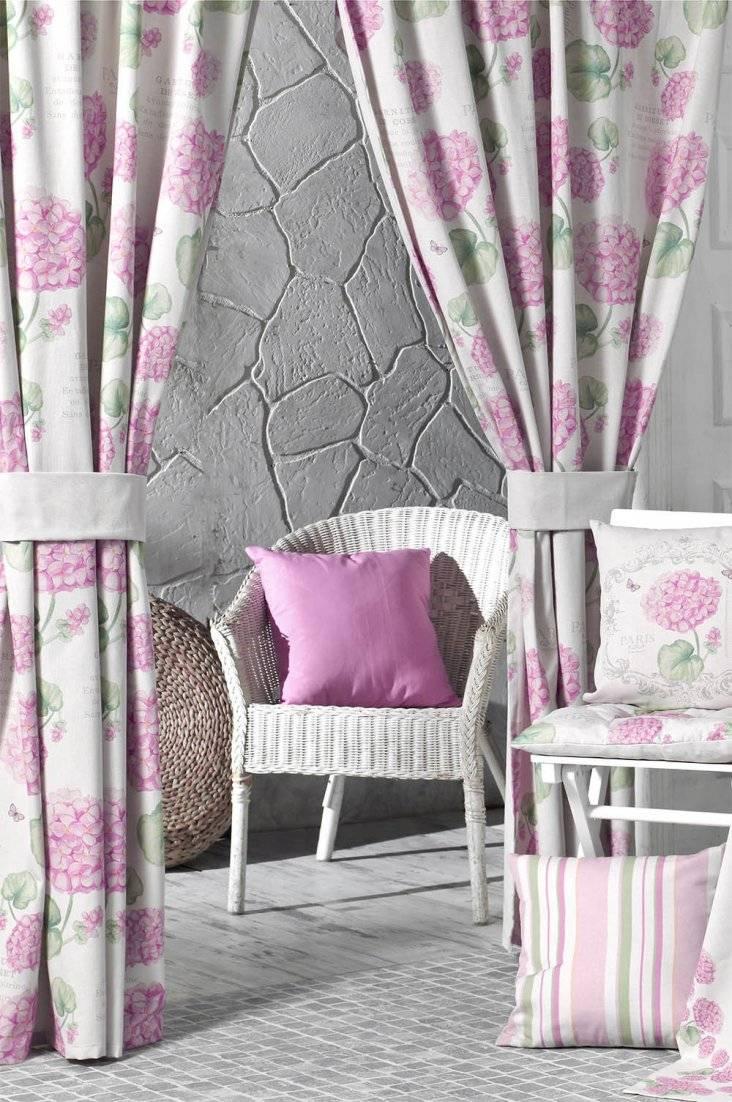 Розовые шторы (43 фото): занавески нежно-розового цвета в интерьере на кухне, сочетание с белым и бежевым