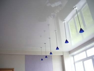 Выбор и виды натяжных потолков с их плюсами и минусами