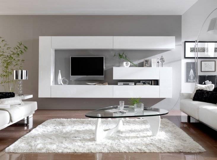 Телевизор на кухне (49 фото): варианты размещения. дизайн кухни 12 кв. м с диваном и телевизором. как повесить на стену и как еще можно разместить в интерьере?