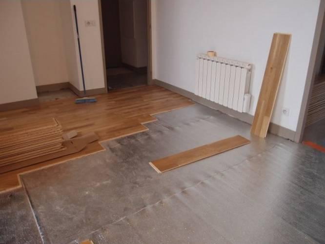 Как выровнять деревянный пол своими руками: технология выравнивания старого пола, не срывая доски