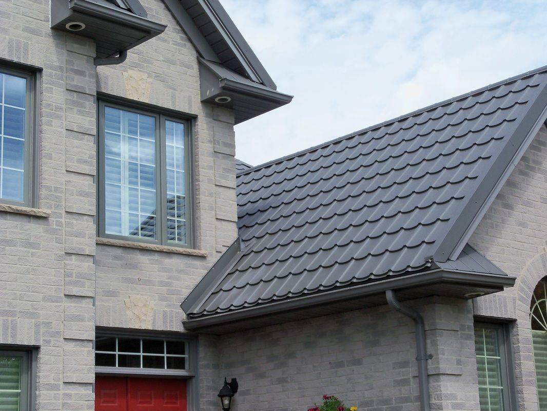 Крыша изметаллочерепицы для частного дома— 20 фото