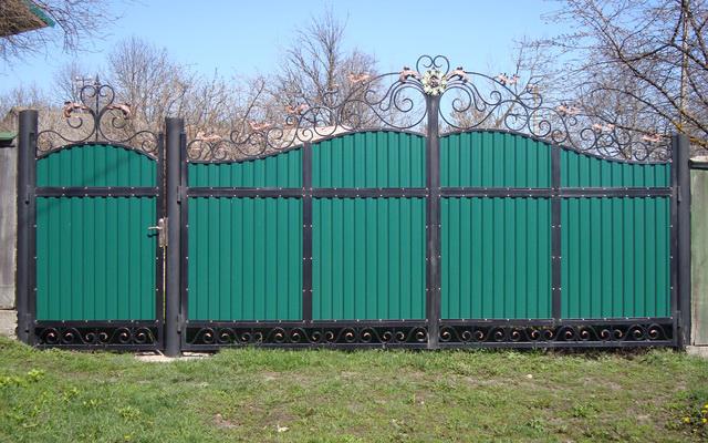 Секционные ворота: нюансы, на которые нужно обратить внимание при выборе и эксплуатации - подробная информация