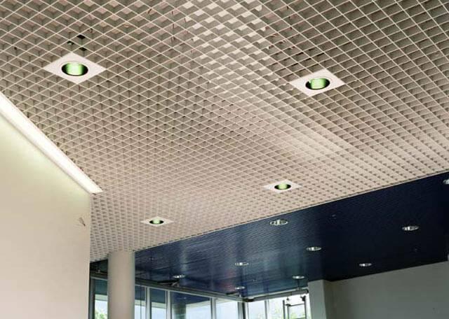 Потолок грильято - плюсы и минусы решетчатого типа - блог о строительстве