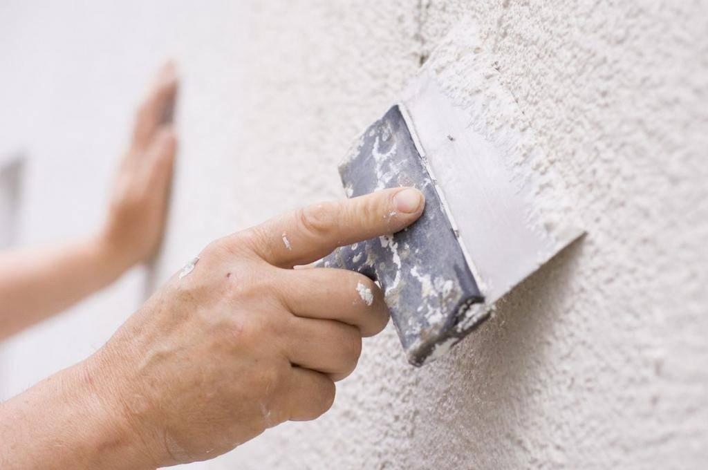 Снип на штукатурные работы, улучшенная, высококачественная и простая штукатурка стен: отличия в технологии выполнения, требования к качеству и допустимые отклонения при отделке, правила приемки