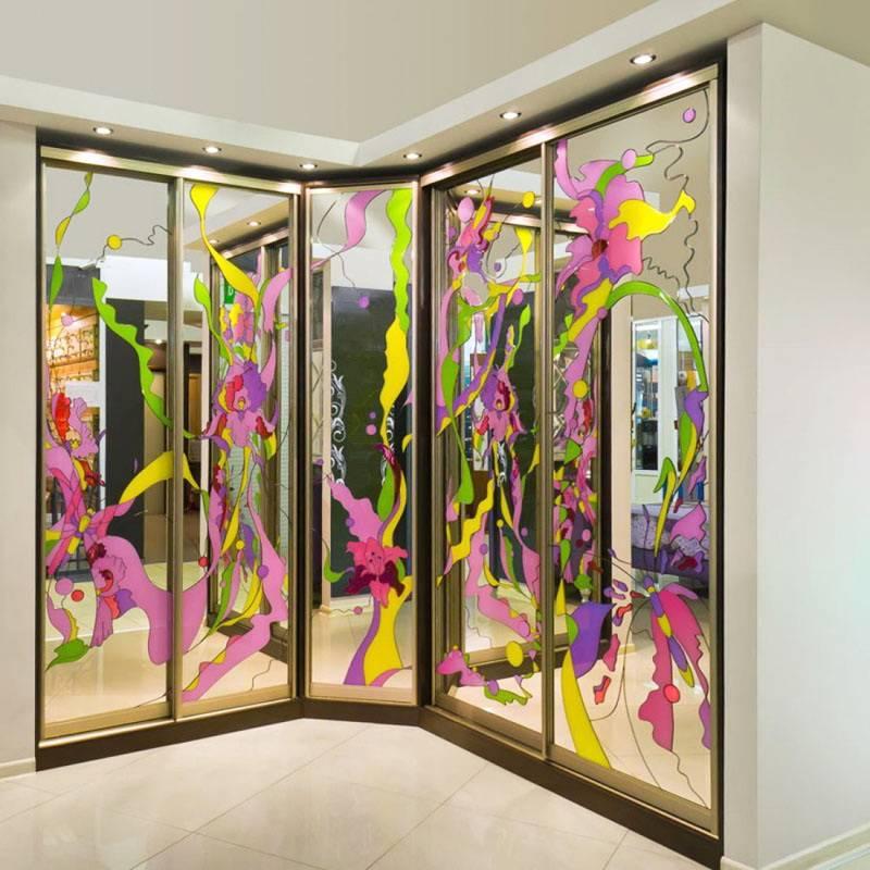 Пленка для стекла: самоклеящаяся декоративная цветная и прозрачная пленка, полупрозрачная и пескоструйная. как ее наклеить?