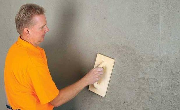 Штукатурка стен под обои: чем заштукатурить в квартире, как правильно отштукатурить своими руками и что нужно делать дальше