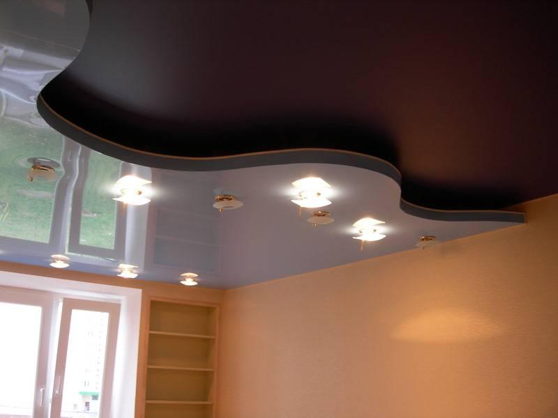 Какой потолок лучше: матовый или глянцевый