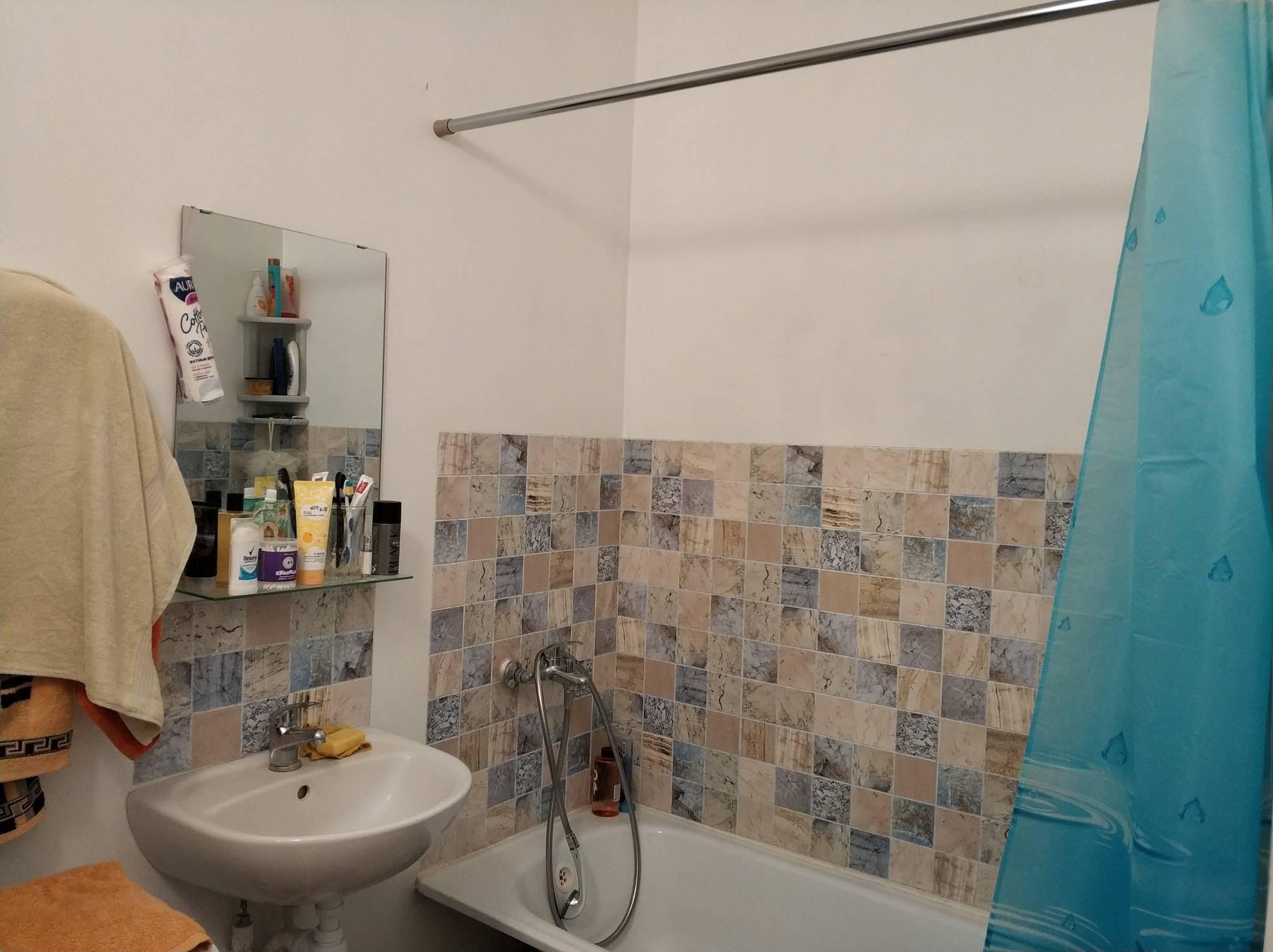 Муж для жены сделал романтичный ремонт в ванной. фото до/после