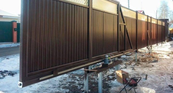 Фундамент под откатные ворота длиной 4 метра – схема монтажа при разных типах основания