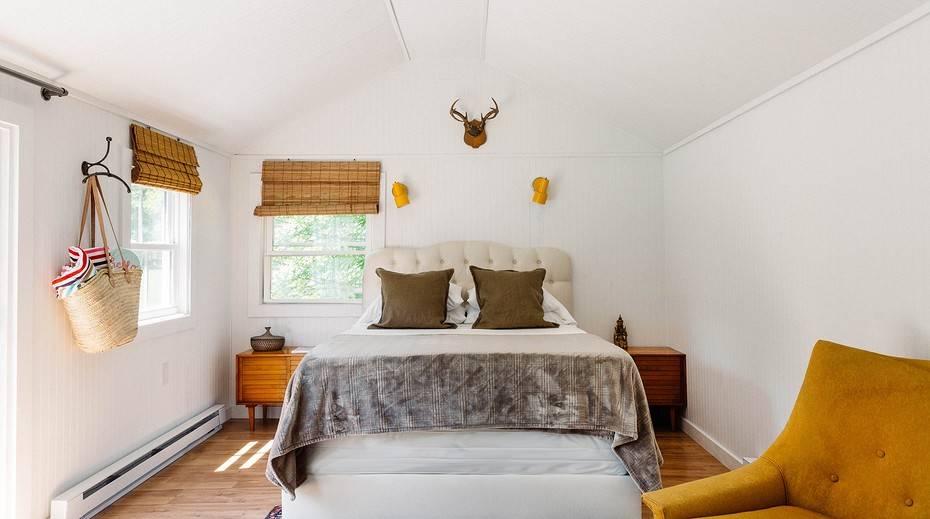Спальня в деревянном стиле: выбираем дизайн, мебель и текстиль