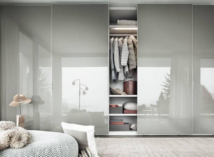 Раздвижные двери для гардеробной своими руками: какие зеркальные навесные перегородки, шкаф купе, какие недорогие стеклянные, описание, видео