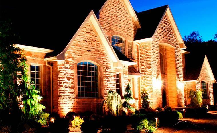Освещение внутри и снаружи дома: лучшие варианты