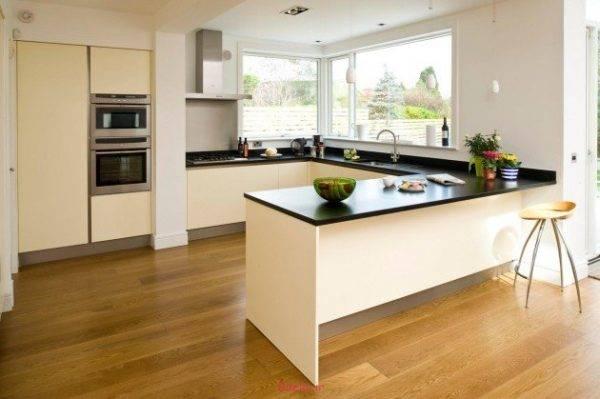 Дизайн кухни без верхних шкафов: фото в интерьере