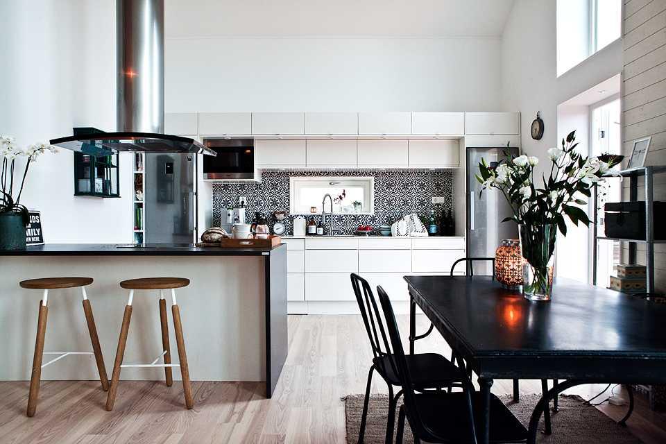 Стол-книжка: 60+ фото в интерьере, современные идеи для гостиной, кухни, детской
