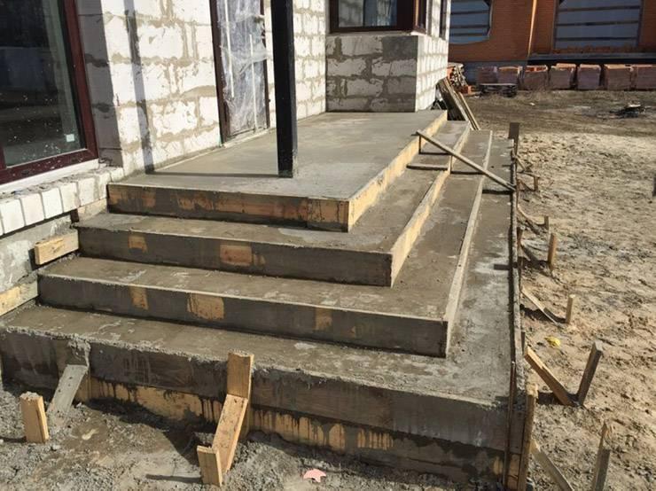 Крыльцо из бетона своими руками: пошаговая инструкция. крыльцо для частного дома :: syl.ru