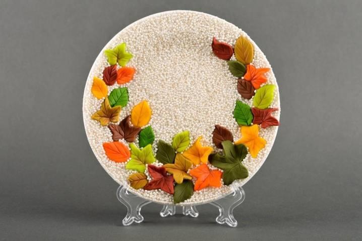 Декоративные тарелки: материалы, размеры и дизайн