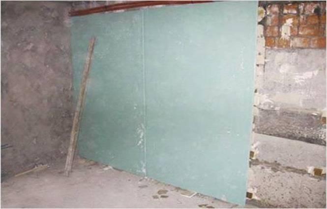 Выравнивание стен гипсокартоном: как выравнивать в ванной под плитку, как выровнять в деревянном доме